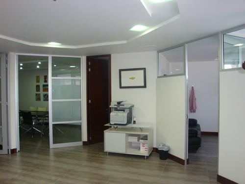 Oficinas locales comerciales arquitectura dise o y for Arquitectura diseno y construccion